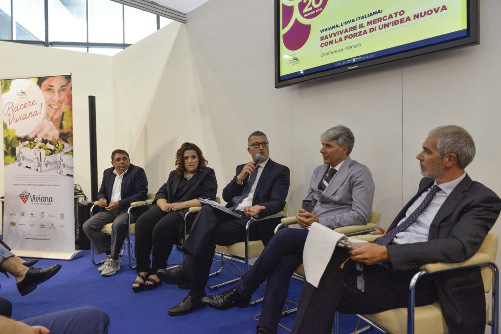"""Menabò, agenzia di comunicazione a Forlì, per il lancio di """"Viviana, uva italiana"""" - Conferenza stampa"""