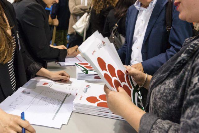 """Menabò, agenzia di comunicazione a Forlì, per il lancio di """"Viviana, uva italiana"""" – Conferenza stampa"""
