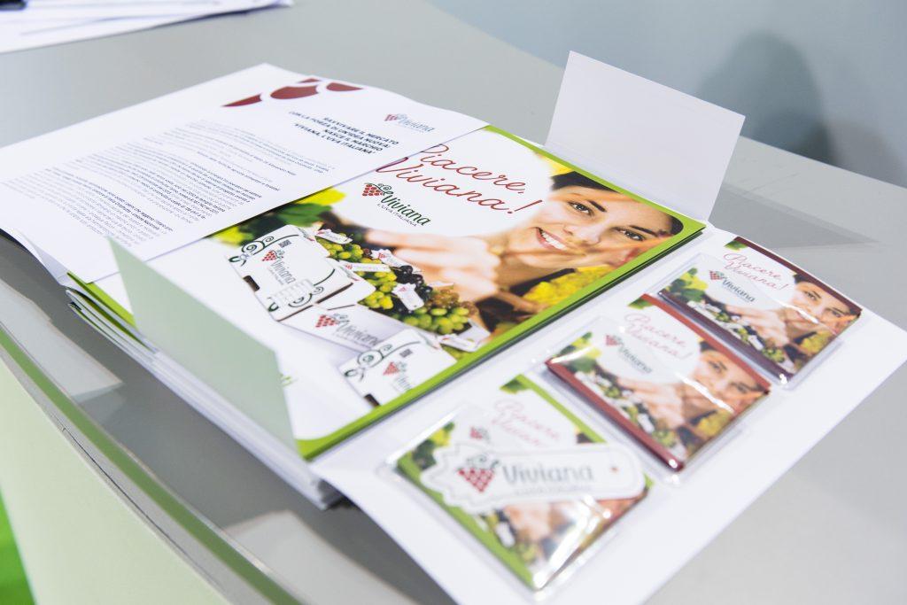 """Menabò, agenzia di comunicazione a Forlì, per il lancio di """"Viviana, uva italiana"""" - Brochure"""