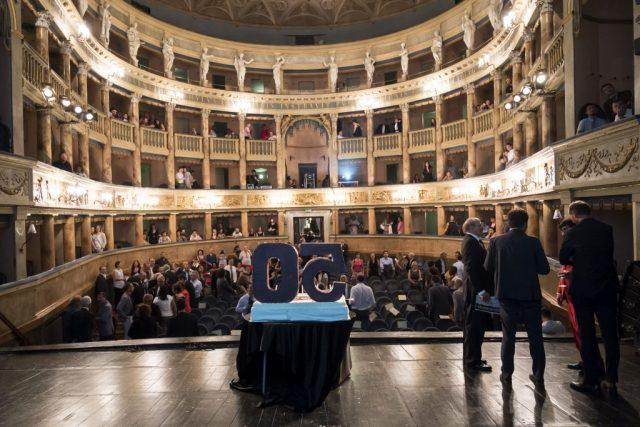Menabò, agenzia di comunicazione a Forlì, per i 50 anni di Caviro – Interno teatro