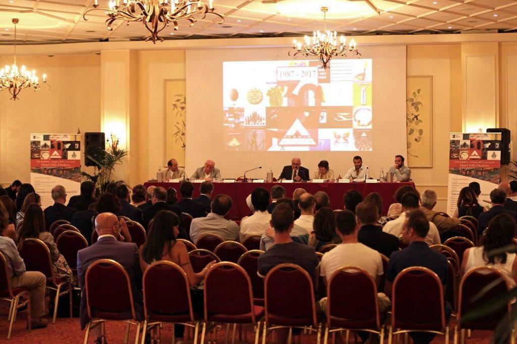 Menabò, agenzia di comunicazione a forlì, due volte insignita del Premio Agorà - Platea